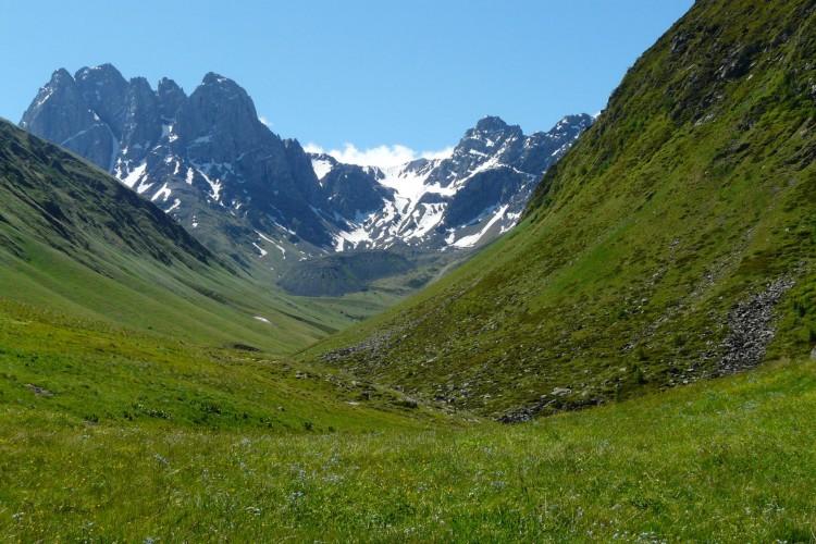 Chaukhi Pass