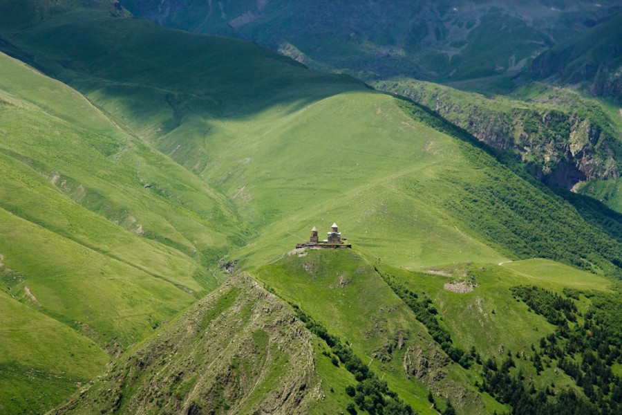 Тбилиси, Ананури, Степанцминда с треккингом в Джуте